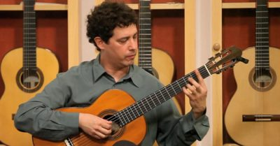 Marc Teicholz photo: Guitar Salon International