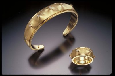 Lecture:  Into the Labyrinth: Goldsmithing with Wa...