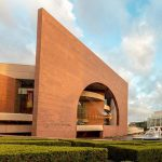 Guided Tours of Segerstrom Center
