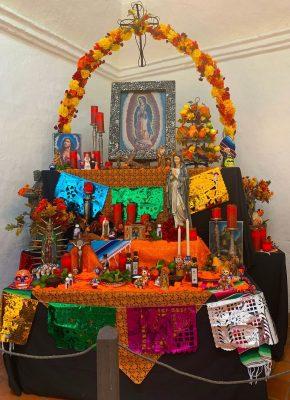 Dia de los Muertos ofrenda/altar