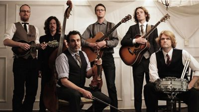 DEVIL'S BOX STRING BAND featuring CHRIS MURHPY in concert
