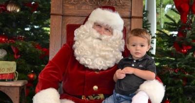 Photos with Santa in Disneyland Gazebo