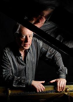 Eduardo Delgado, piano