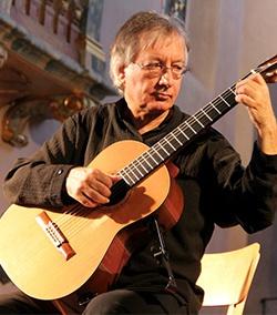 Alvaro Pierri, guitar